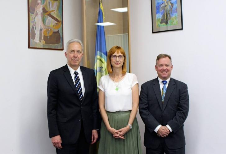 Hans Klemm s-a întâlnit cu şefa interimară a DNA, Anca Jurma. A asigurat-o de sprijinul Ambasadei