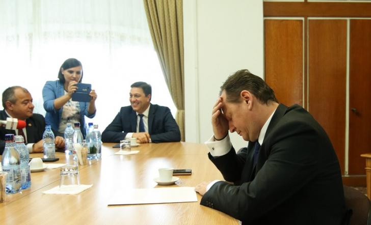 Gabriel Vlase, audiat, astăzi, în Comisia de control SIE, pentru şefia Serviciului / Foto: Inquam Photos / George Calin