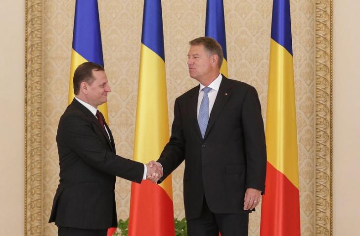Noul șef al SIE a depus jurământul la Cotroceni. Dragnea și Tăriceanu nu au fost prezenți / Foto: Inquam Photos / Octav Ganea