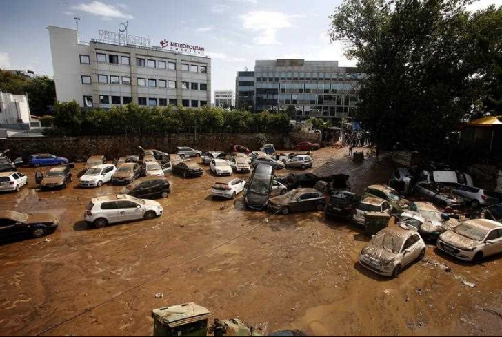 Românii sunt avertizaţi, în Grecia vin ploi şi furtuni, după incendiile devastatoare