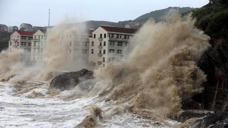Taifunul Jongdari se apropie de vestul Japoniei