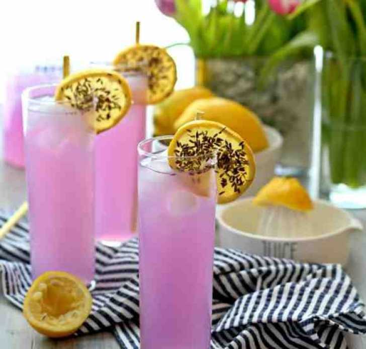 Aşa se prepară cea mai bună limonadă. Ingredientul secret
