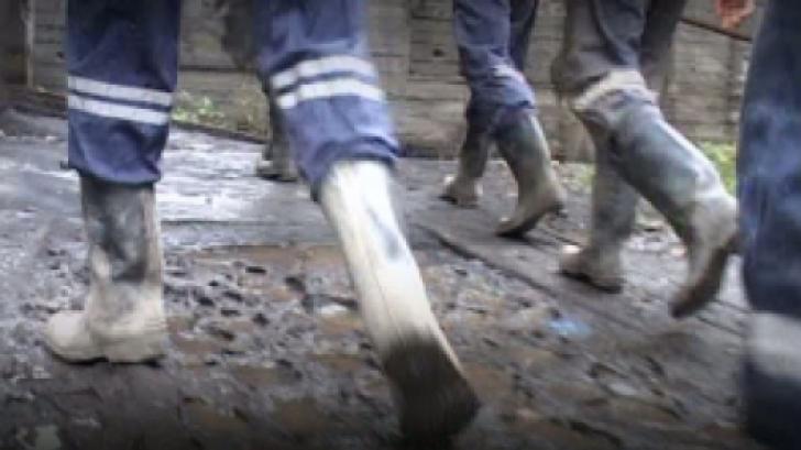 Miner surprins de o surpare de pământ, la Mina Lupeni