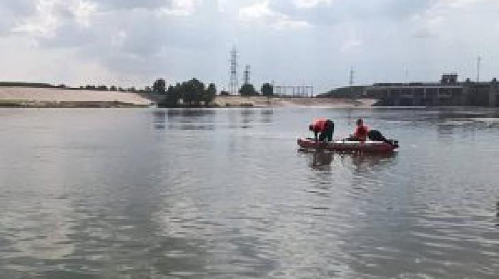 UPDATE: Tânăr de 17 ani, dispărut în râul Olt. Scafandrii i-au găsit trupul (VIDEO)
