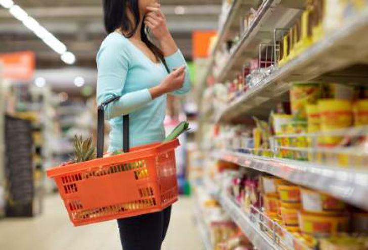 Preţurile la alimente, în scădere cu 0,24% în iunie