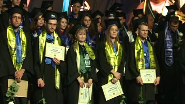 200 DE ANI DE POLITEHNICĂ:3.000 de studenţi și-au încheiat studiile după 4 ani de cursuri și examene