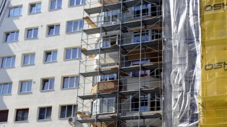Amenzi de până la 8.000 de lei pentru proprietarii care nu reabilitează faţadele clădirilor