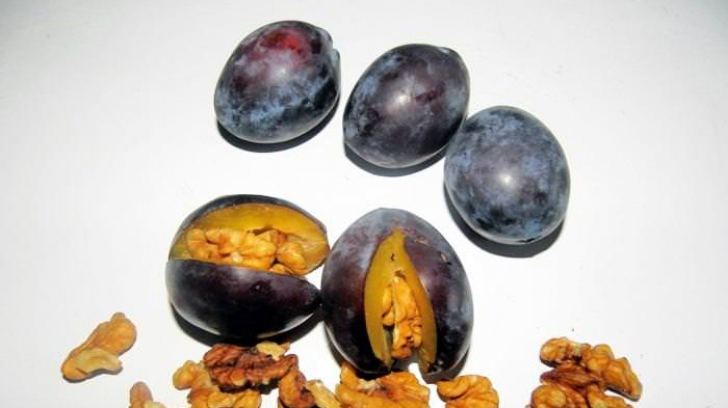Dulceaţă de prune cu miez de nucă: un deliciu! Reţeta ţinută secretă