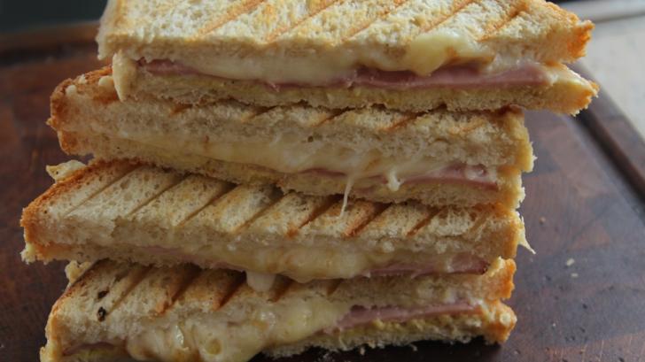 Banalele sandviciuri pot fi mai gustoase. Trucurile pe care nu le ştiai