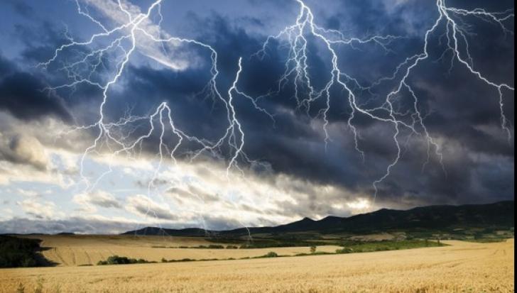 Vine potopul! Cod galben de vreme rea în Bucureşti şi alte judeţe