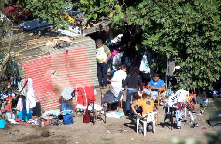 Semnal de alarmă al activiștilor pentru drepturile omului: Comunitățile de romi, abuzate de autorități sub pretextul pandemiei COVID-19