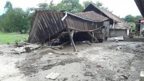 """Reportaj din Basarabasa, satul """"măturat"""" de viitură"""