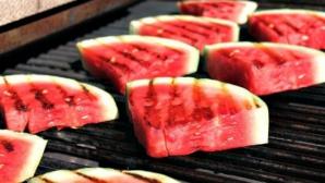 Pepene roşu la grătar, deliciul neştiut până acum al verii