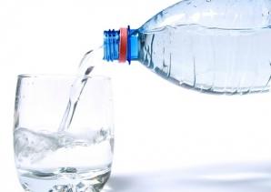 Simptome care arată că nu bei suficientă apă