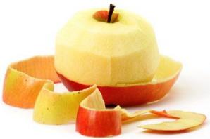 Șase fructe și legume pe care nu le mâncăm corect. Cele mai sănătoase părți le aruncăm