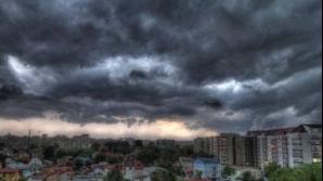 COD GALBEN de ploi şi furtuni în Capitală