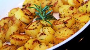 Cei mai buni cartofi la cuptor. Ingredientul care face toată diferenţa