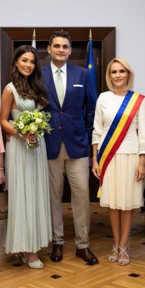 Nunta Fiului Lui Dragnea Imagini De La Cununia Civilă Oficializată