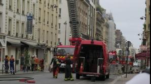 Zeci de turişti, inclusiv români, au fost EVACUAŢI dintr-un hotel din Paris din cauza unui incendiu