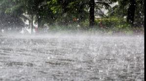 COD GALBEN de furtuni şi ploi în capitală