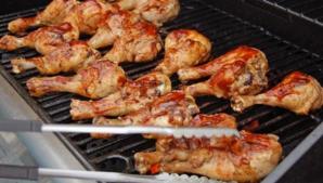 Grătarul cauzează cancer? Cum să pregăteşti carnea fără să te îmbolnăveşti
