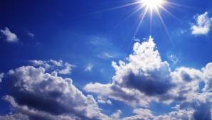VREMEA în weekend. Soare sau ploi? Ce spun meteorologii