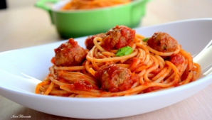 Reteţa zilei: spaghete cu chifteluţe, ca în Italia