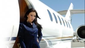 O stewardesă a fost suspendată după ce a publicat un clip... cel puţin controversat