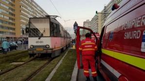 Accident cumplit, în Capitală: piciorul unei tinere, secţionat de tramvai
