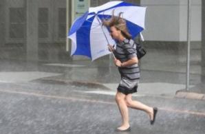 ALERTĂ METEO de fenomene periculoase. Cod GALBEN de furtuni şi grindină