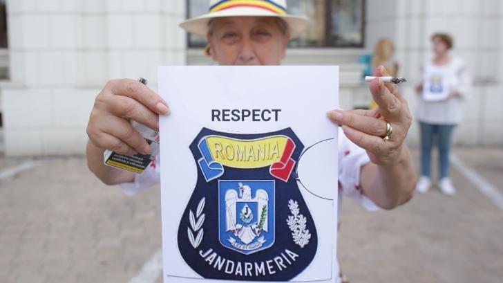 """""""Respect Jandarmeria Română"""", miting de susţinere cu 50 de oameni"""