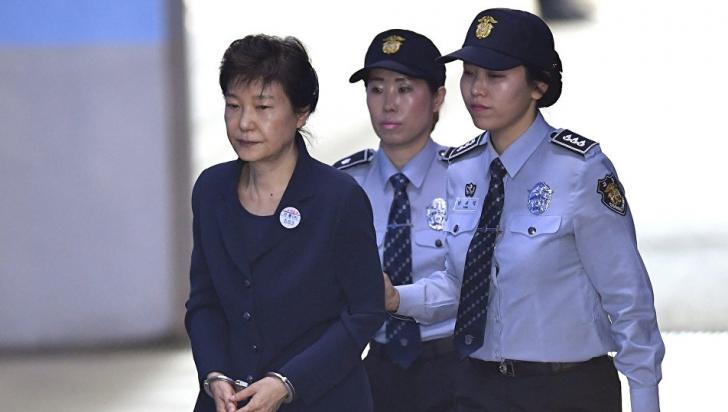 Fosta preşedintă a Coreei de Sud, condamnată la 25 de ani de închisoare