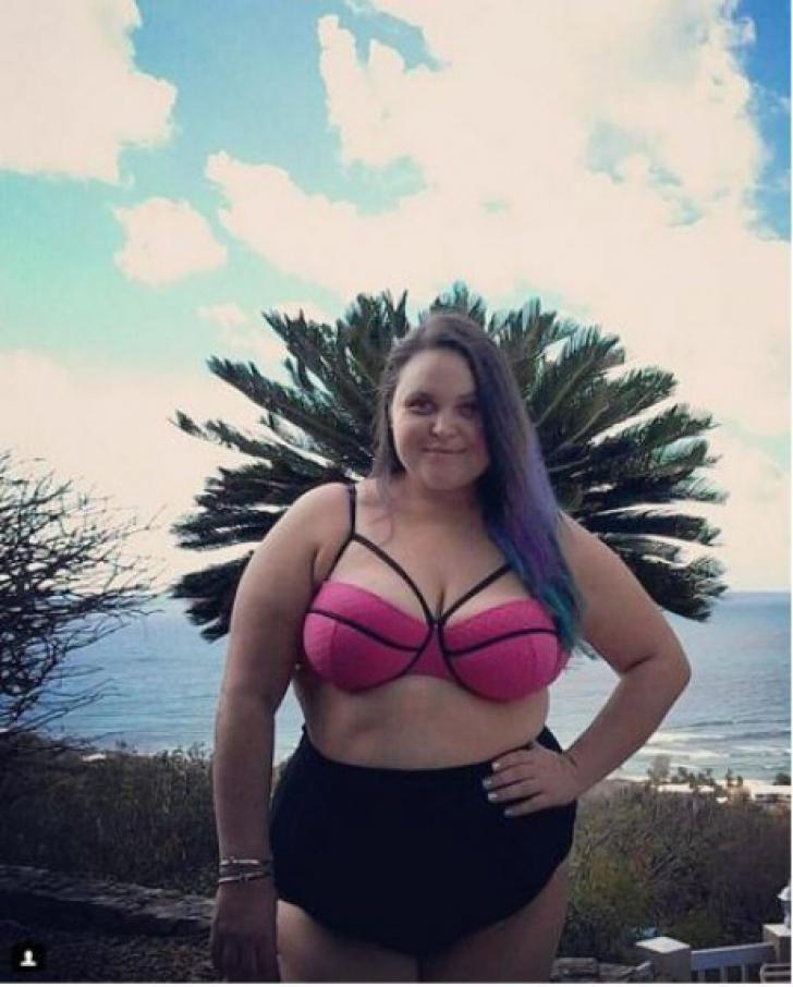 Cele mai sexy femei plinuţe care au fost surprinse în costume de baie, la plajă