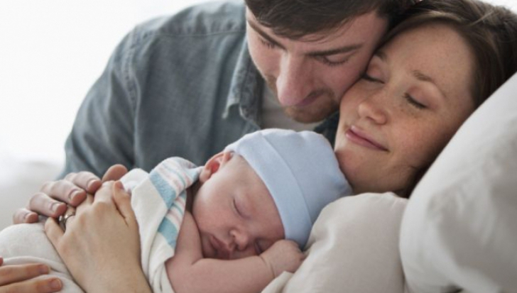Este bine ca tatăl să asiste la naștere? Află părerea unui psiholog
