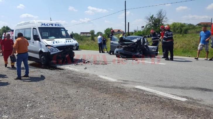 Plan ROŞU de Intervenţie în Gorj. Cel puţin 9 victime în urma unui accident rutier