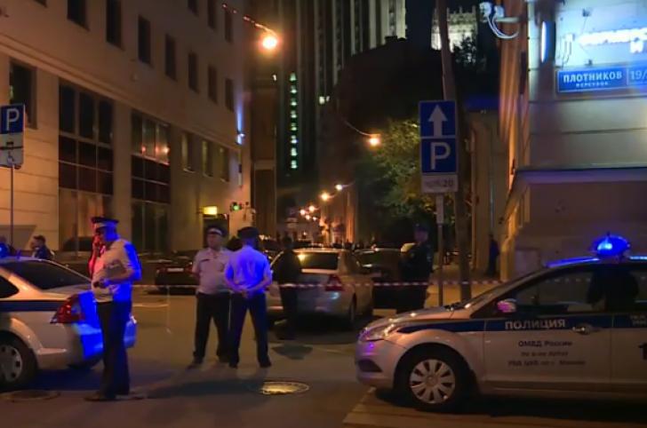 Panică în centrul Moscovei, poliţişti împuşcaţi