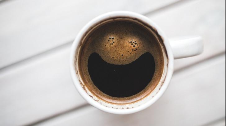 Cafeaua, interzisă în școli atât pentru elevi, cât și pentru dascăli. Unde s-a luat această decizie