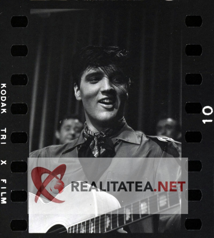 <p>Elvis Presley in filmul King Creole (1958)</p>