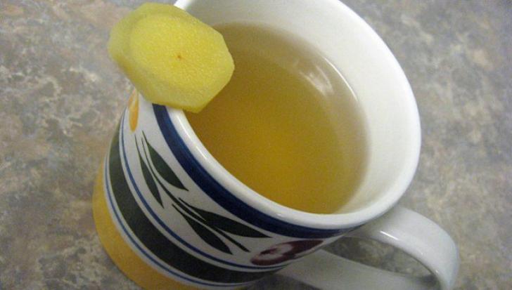 De ce să bei zilnic ceai de usturoi. Efectul e incredibil