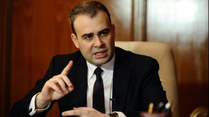 Darius Vâlcov s-a specializat în bancuri
