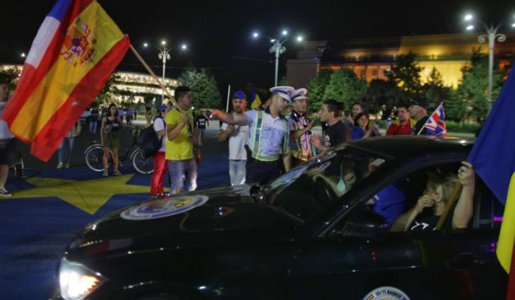 """<p>Românii se întorc ACASĂ. Mobilizare fără precedent la MITINGUL DIASPOREI: """"România, trezeşte-te!"""" / Foto: Inquam Photos / Octav Ganea</p>"""