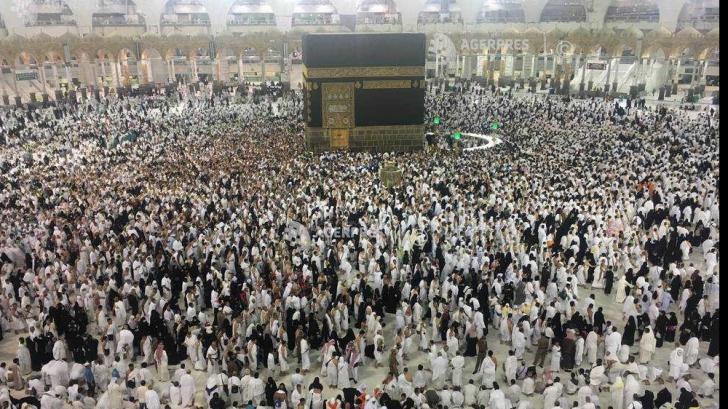 Aglomeraţie infernală la Mecca. Peste 2 milioane de musulmani celebrează Sărbătoarea Sacrificiului