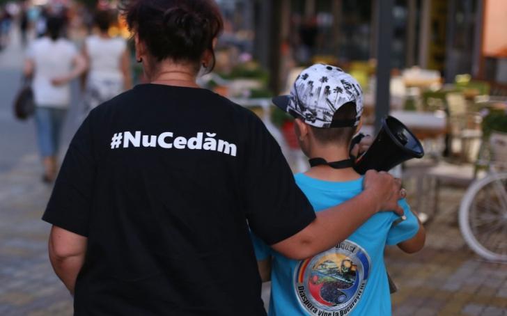 """Românii se întorc ACASĂ. Mobilizare fără precedent la MITINGUL DIASPOREI: """"România, trezeşte-te!"""" / Foto: Inquam Photos / George Calin, Octav Ganea"""