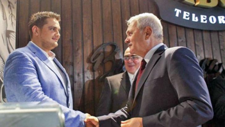 Nunta fiului lui Dragnea. Sute de politicieni, invitaţi. A fost anunţat un protest în faţa bisericii
