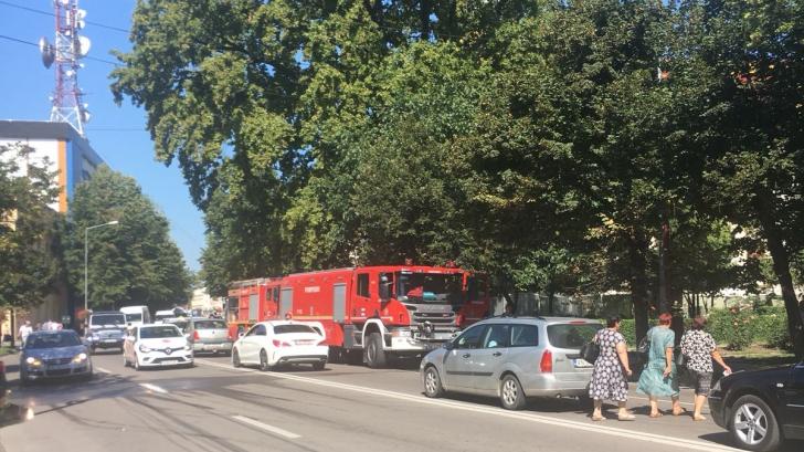Incendiu puternic la sediul vechi al Primăriei Focșani și al fostei Prefecturi Putna