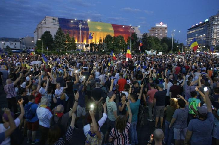 Peste 65.000 de oameni au venit pe 11 august in Piata Victoriei. Foto: Inquam Photos / Octav Ganea