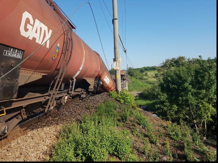 Circulaţia feroviară la Cârcea, unde a deraiat un marfar, reluată în septembrie