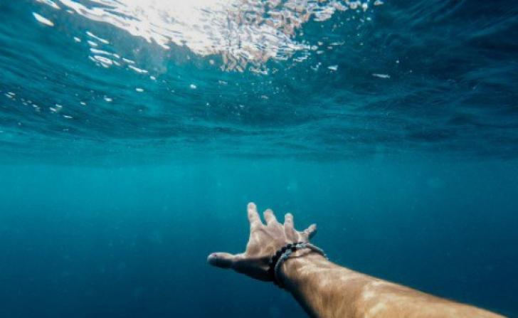 Ce înseamnă când visezi apă. Cel mai puternic simbol din vis