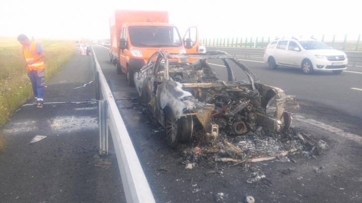 Traficul a fost reluat pe Autostrada Soarelui după ce o mașină a luat foc pe carosabil