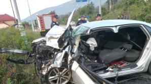 Tragedie pe şosele. Un şofer a adormit la volan şi s-a făcut praf cu maşina